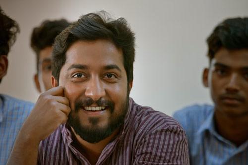 Vineeth Sreenivasan as Ravi Padmanabhan
